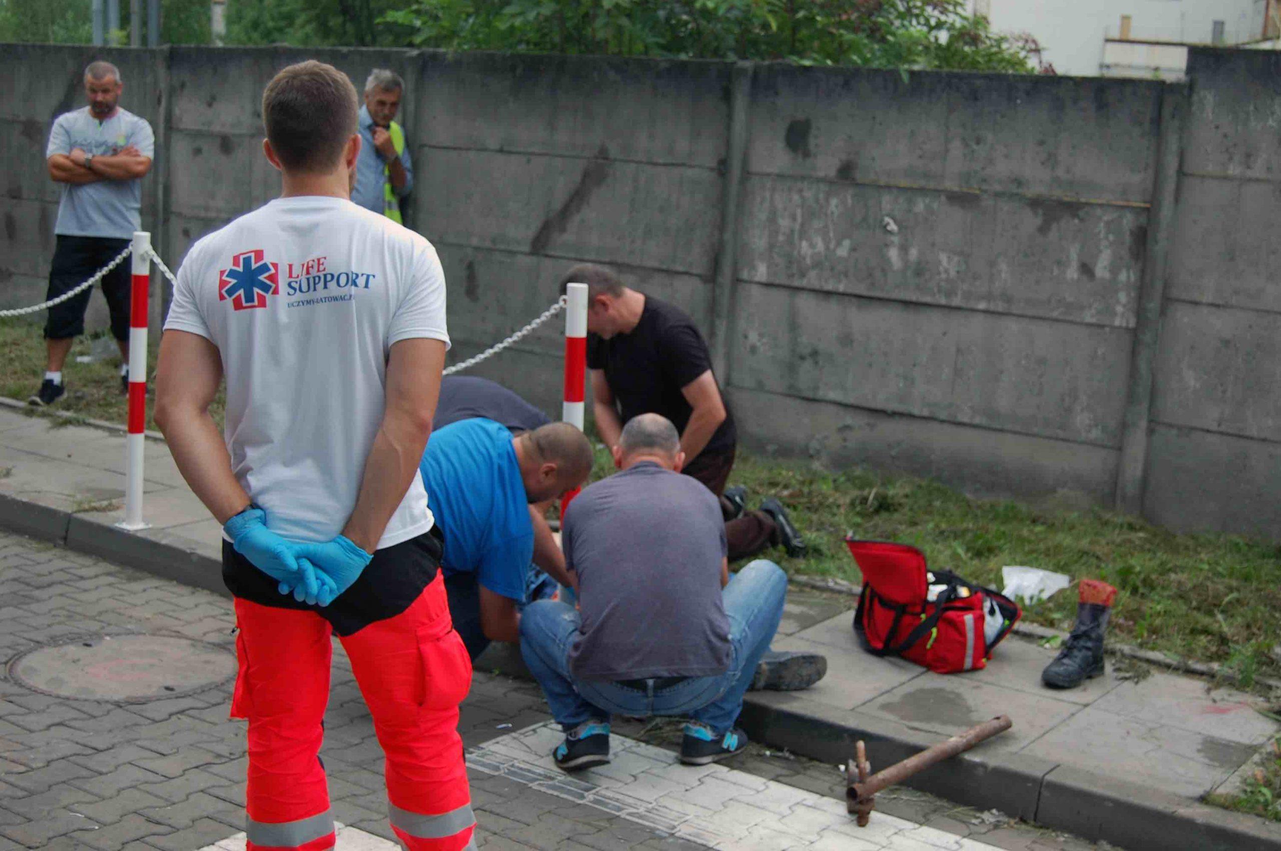 Uczymy ratować - szkolenia - ratownictwo medyczne - ratownictwo wodne - 12
