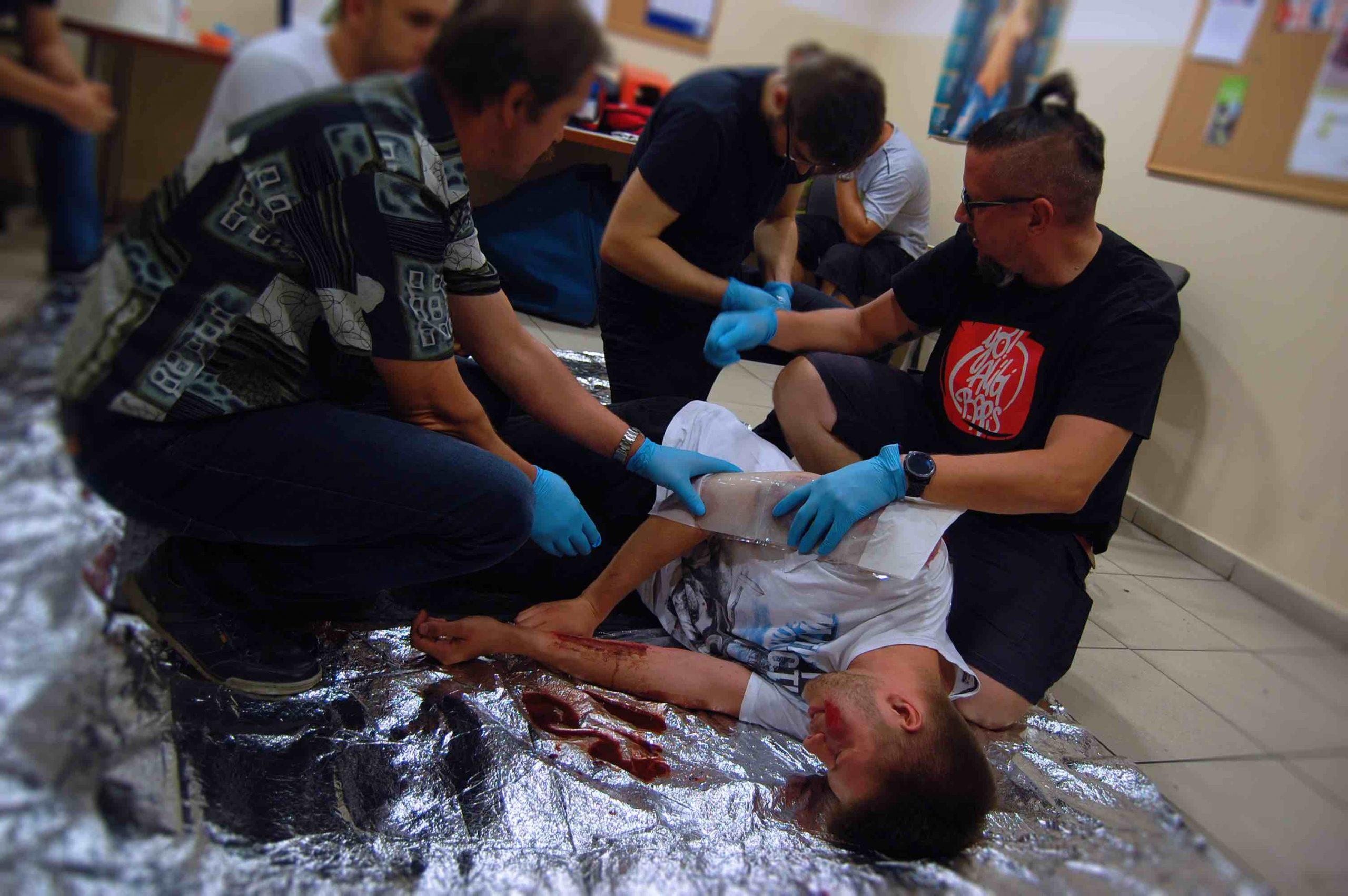 Uczymy ratować - szkolenia - ratownictwo medyczne - ratownictwo wodne - 3