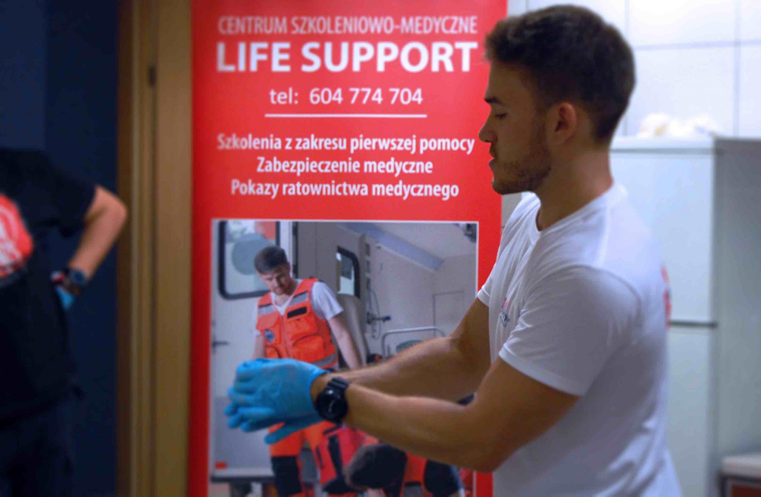 Uczymy ratować - szkolenia - ratownictwo medyczne - ratownictwo wodne - 5